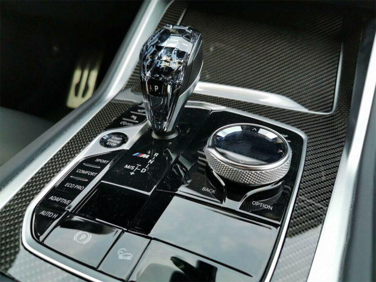 BMW-X6-M50i-Manhattan-v4